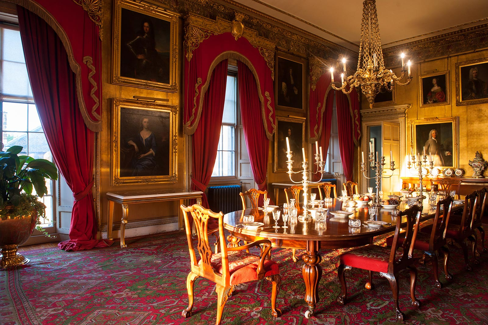 State dining room dinner